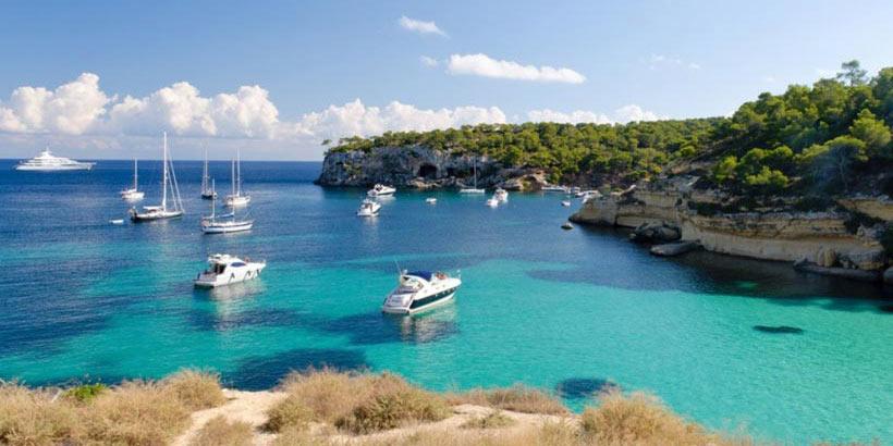 Immobilien zu kaufen und Yachting im schicken Puerto Portals